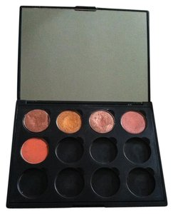 MORPHE MORPHE Customized Eyeshadow Pallette - 5 colors included.