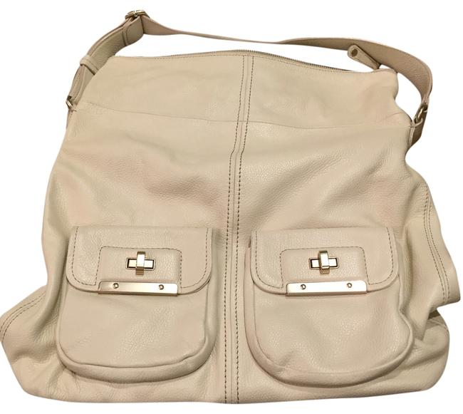 Item - Great Condition Cream/Off White Leather Shoulder Bag