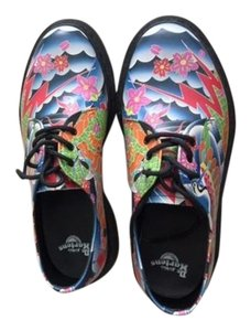 Dr. Martens Multi color Flats