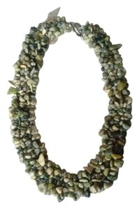 Green jasper stone chips collar necklace