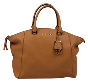 Michael Kors Riley Tote in Tan