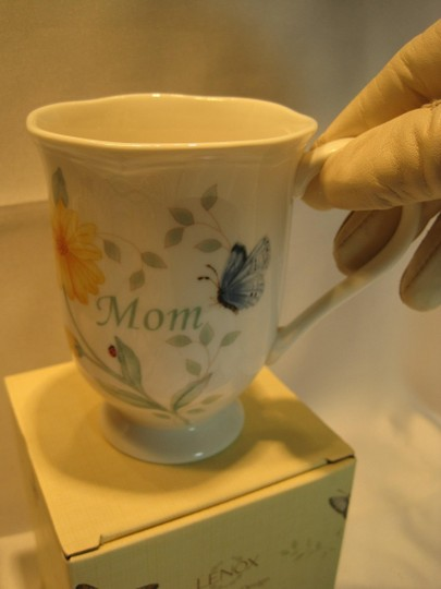 "Other "" Mom "" Gift Set from Lenox and Hallmark - [ Roxanne Anjou Closet ]"