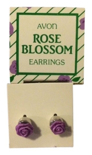 Preload https://img-static.tradesy.com/item/1533808/avon-vintage-rose-blossom-purple-with-surgical-steel-posts-1985-new-in-box-earrings-0-0-540-540.jpg