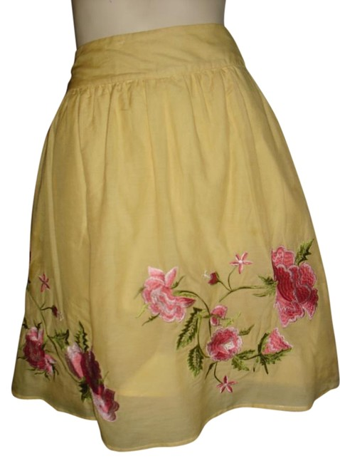 Item - Yellow Embroidered Bohemian Style Flower Embroidery Unique Hippie Gypsy Skirt Size 12 (L, 32, 33)