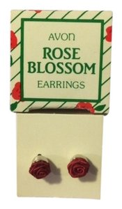 Avon Vintage Avon Rose Blossom Earrings Red with surgical steel posts 1985 New in Box