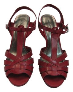 Merona New Size 9.50 M Excellence Condition Red Sandals