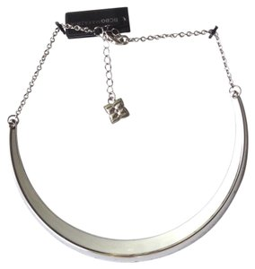 BCBGMAXAZRIA white crescent pendent necklace