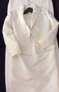 Off- White Silk/ Beading/ Lace Formal Bridesmaid/Mob Dress Size 6 (S)