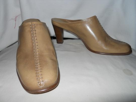 Antonio Melani Leather tan Mules Image 7