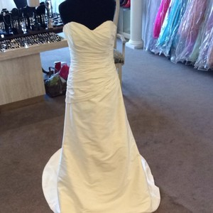 Maggie Sottero Ivory Wedding Dress Size 8 (M)