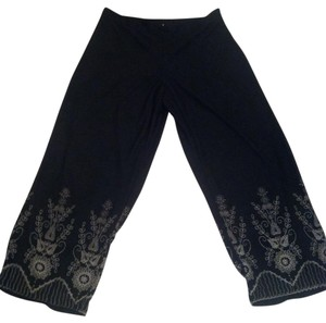 White House | Black Market Capris Black
