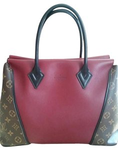 Louis Vuitton W Tote in Prunille