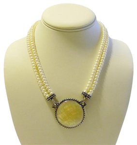 Honora Honora Mother of Pearl Disc Necklace 18