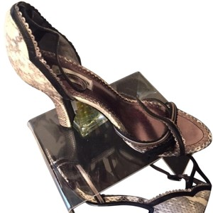 Steve Madden Mixed Color Blk, Cream, Brown Pumps
