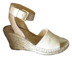 9bc605a69 Ivanka Trump Wedges Up to 90% off at Tradesy