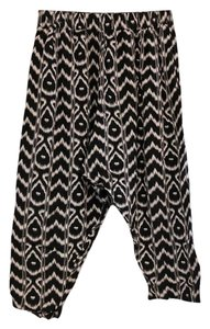 Urban Outfitters Harem Capri/Cropped Pants Black and White Geometric Patterned