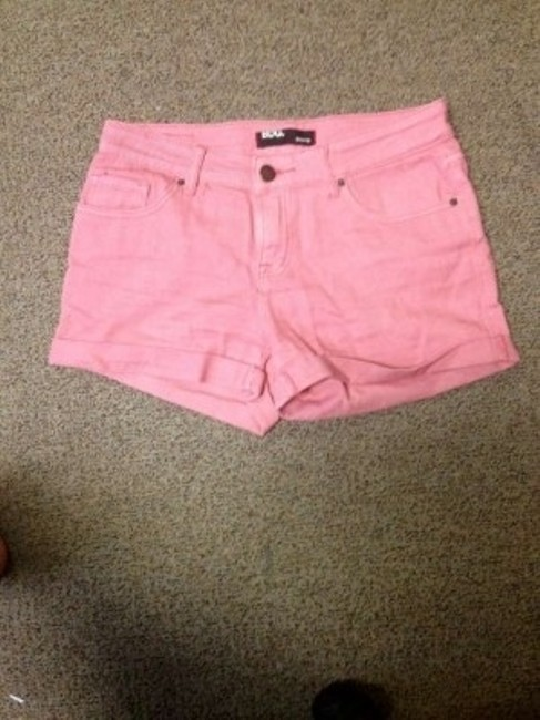 BDG Cuffed Shorts pink