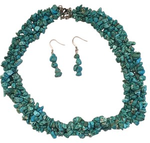 Turquoise stone necklace and earring set Turquoise stone necklace and earrings