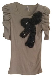 Jenny Han Top Taupe With Black Design