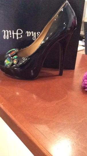 Alisha Hill Black Pumps Image 1