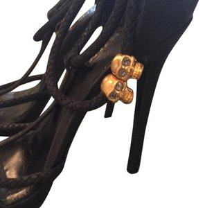 Alexander McQueen Black with skulls Pumps