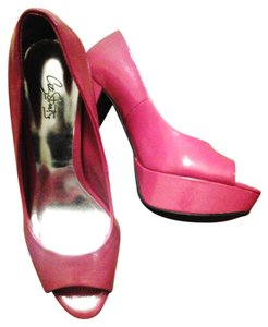 City Streets Hot Pink Stilleto High Heel 5 Inch Heel Magenta Pumps