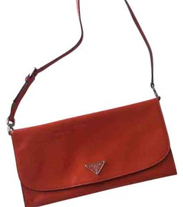 cfeb8132d41415 Prada Clutches - Up to 90% off at Tradesy