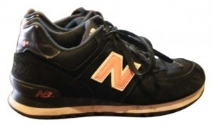 New Balance 574 Classics Retro Black with Pink Athletic