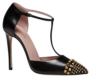 Gucci Black/ gold studd Pumps