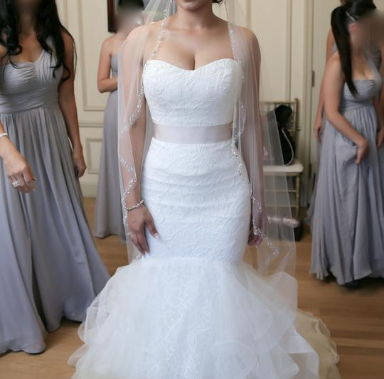 Vera Wang Ivory Tulip and Rose Patterned Chantilly Lace Lilliam Fall Collection 2013 Sexy Wedding Dress Size 4 (S) Image 2