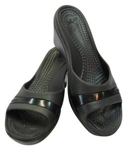 Crocs Size 8.00 M Black Wedges