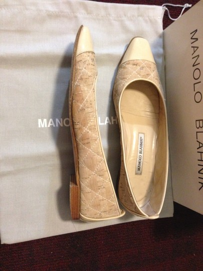 Manolo Blahnik Leather Quilted Captoe Biege Flats Image 2