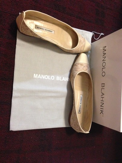 Manolo Blahnik Leather Quilted Captoe Biege Flats