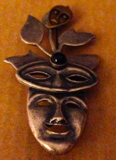 Susan L Richardson Vintage 1990s Susan L Richardson Silver Pewter And Brass Mixed Metals With Black Onyx Modernist Comedy Tragedy Drama Theater Masks Pin Brooch