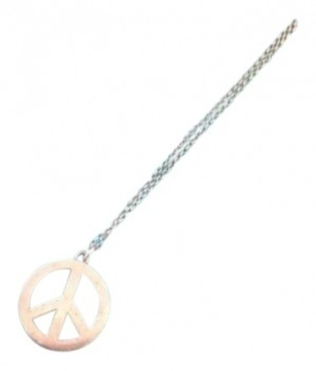Preload https://item5.tradesy.com/images/tiffany-and-co-silver-peace-charm-in-chain-necklace-153799-0-0.jpg?width=440&height=440