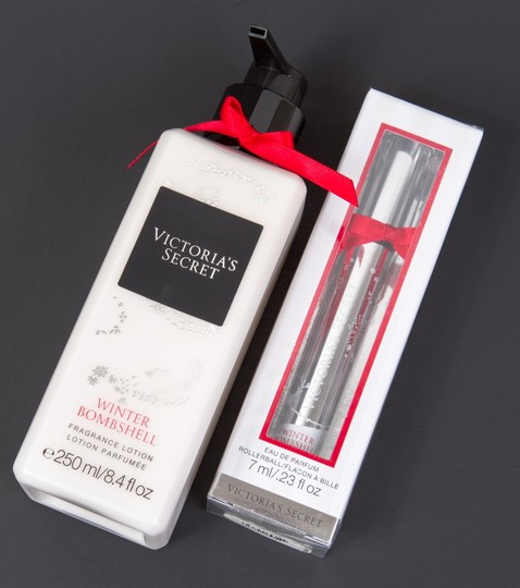 Victoria's Secret Winter Bombshell Set: Eau de Parfum Rollerball and Lotion NEW