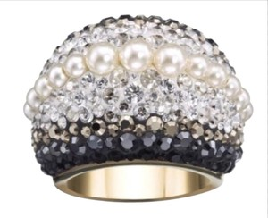 Swarovski SWAROVSKI Chic Royalty Crystal & Crystal Pearl Dome Ring - Size 7 Authentic