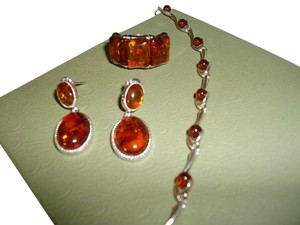 Beautiful Baltic Amber jewelry set