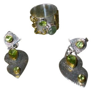 Lovely Two-tone Peridot Ring and Earrings