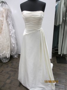 Casablanca 2101 (19s) Wedding Dress
