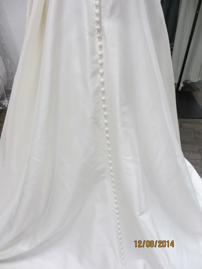 Casablanca Ivory Textured Satin 2101 (19s) Formal Wedding Dress Size 10 (M)