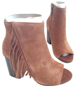 Kenneth Cole Reaction Toffee Tan Boots