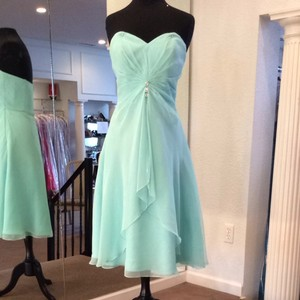 Mori Lee Tiffany Blue Bridesmaid/Mob Dress Size 8 (M)