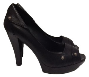 BCBGMAXAZRIA Leather Black Pumps