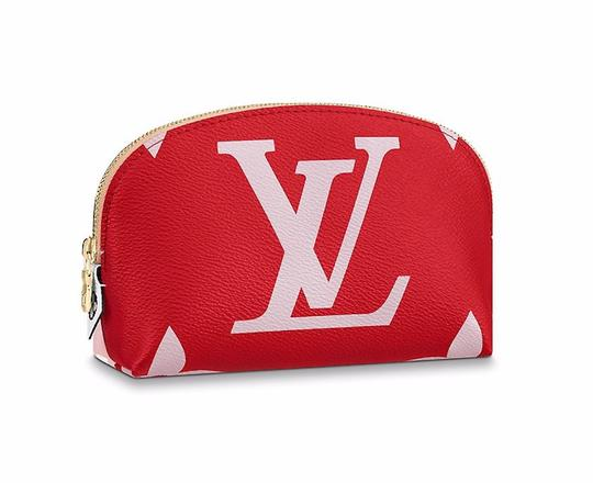 Preload https://img-static.tradesy.com/item/15390694/louis-vuitton-redpink-giant-monogram-pouch-limited-edition-cosmetic-bag-0-4-540-540.jpg