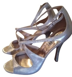 Badgley Mischka Wedding Bridesmaid Prom Party Gold and silver Pumps