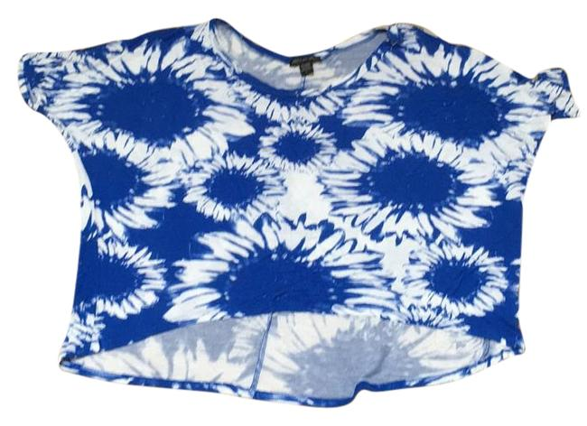 Item - Blue and White Tee Shirt Size 12 (L)
