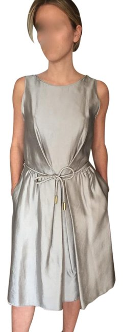 Item - Silver Mettalic Silk Mid-length Cocktail Dress Size 6 (S)