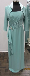 Montage Ocean Mist Satin Back Crepe 112900 Formal Bridesmaid/Mob Dress Size 12 (L)