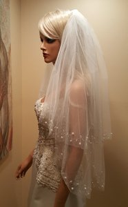 Wedding 2 Tier Beaded Faux Pearl Elbow Lenght Veil